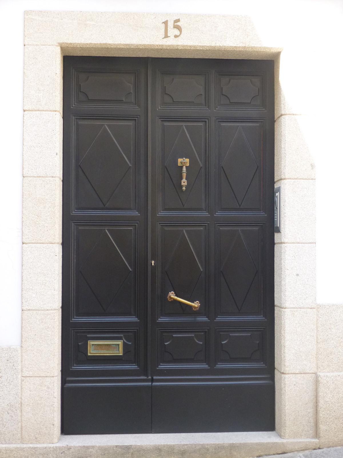 Puertas de entrada en madera entrada puerta tire del asa for Puertas de entrada de madera modernas