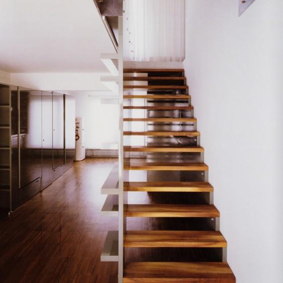 Escalera de madera de sucupira
