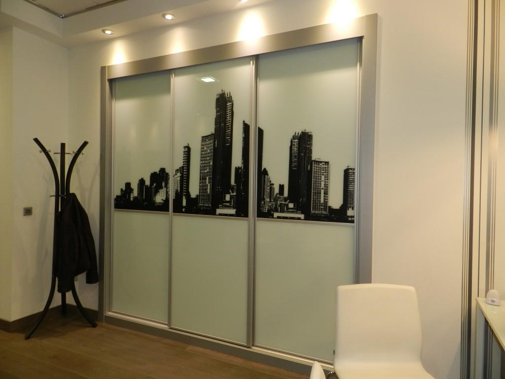 Armarios puertas correderas cristal serigraf a vetta grupo - Puertas de cristal para armarios ...