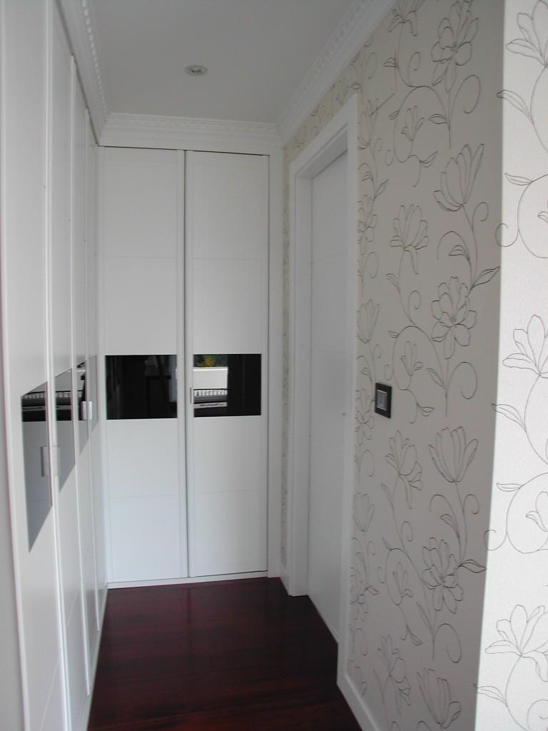 armario en esquina blanco cristal negro