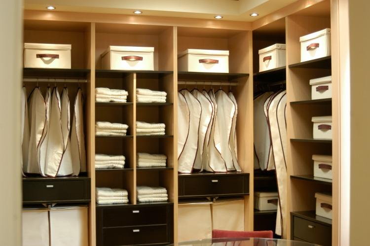 Por qu elegir un armario hecho a medida vetta grupo - Armarios para habitaciones pequenas ...
