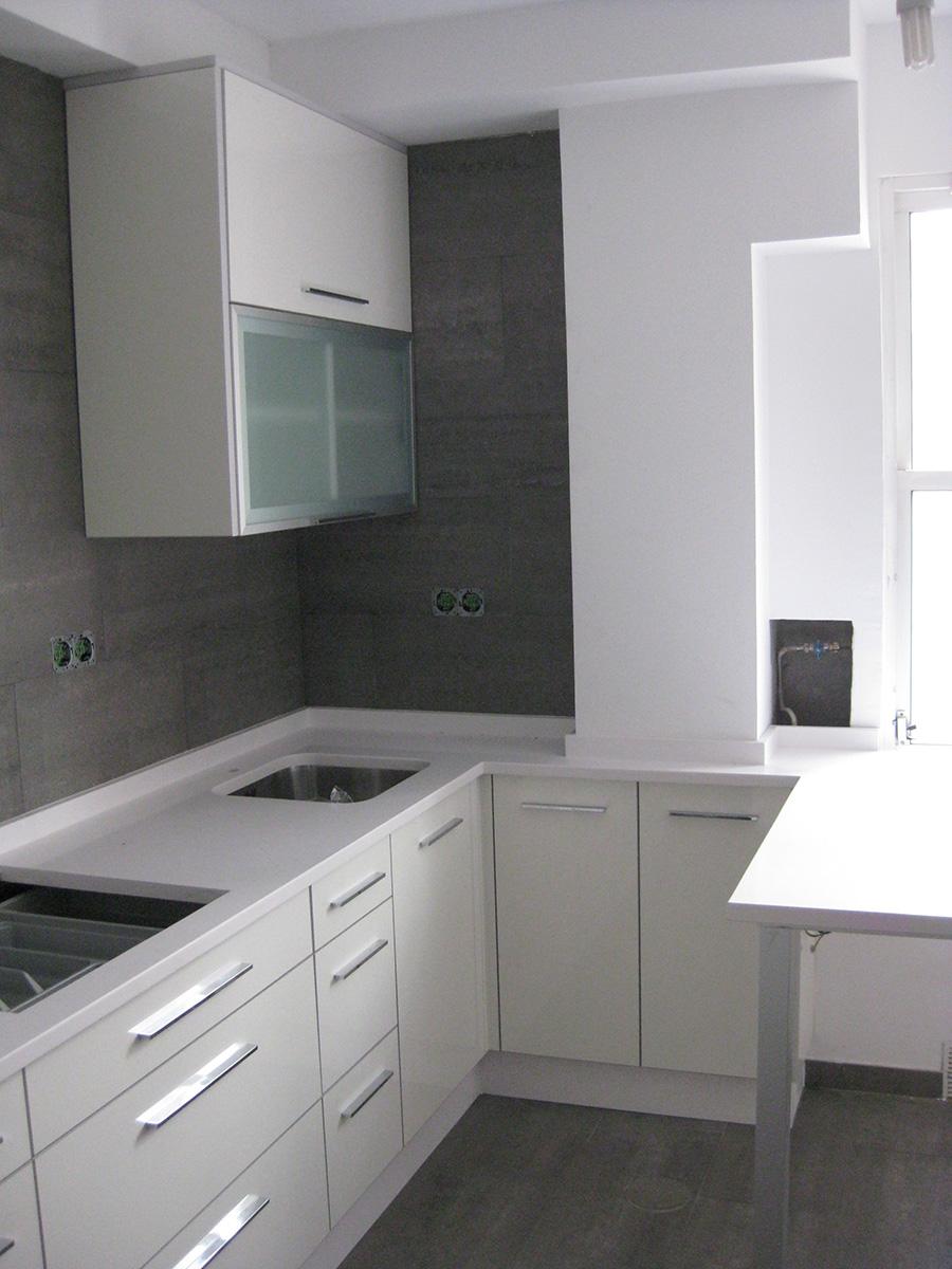 Muebles de cocina a medida madera roble vetta grupo for Cocinas de madera de roble
