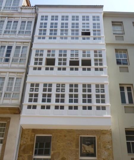 Galerias de madera lacadas en blanco
