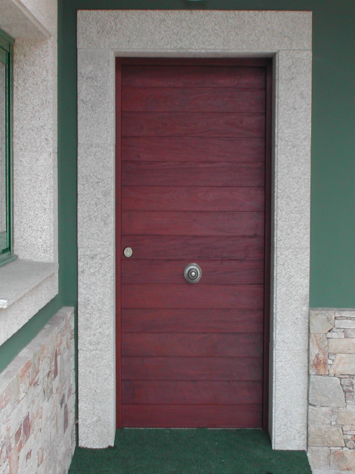 Puertas de entrada madera Coruña - Puerta madera ipe