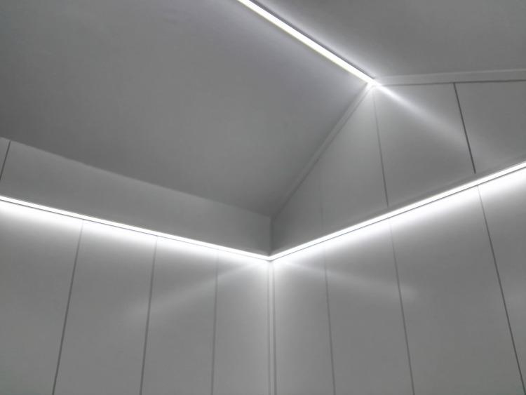 Armario para habitación con techos inclinados