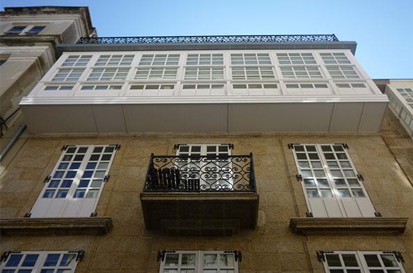 Ventanas y galerías de madera Coruña